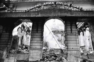 Destruição deixada pelo incêndio nos Grandes Armazéns do Chiado. Foto: João Marques Valentim