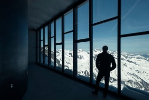 Os visitantes tem acesso a uma vista panorâmica das montanhas, local onde o filme de 2015, Spectre, foi filmado. Foto: Kristopher Grunert/Bergbahnen Sölden