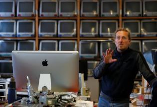 Roland Borsky fala no seu escritório, em Viena, Áustria. Foto: REUTERS/Leonhard Foeger