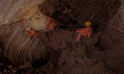 Três astronautas em treino. Foto: Vittorio Crobu/ESA